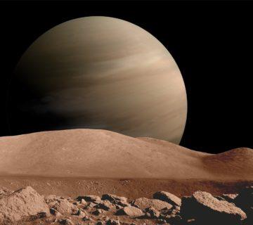 Widok na planetę BD+14 4559 b z jej księżyca